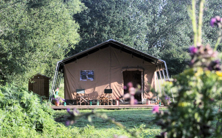 1_safari_tent_outside_front_450x281px