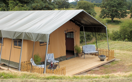 6_ling_safari_tents_tent_and_porch_450x281px